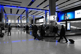 10 People you meet at the baggage claim | BabyGlobetrotters.Net