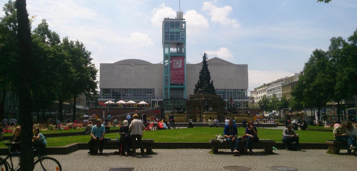 Paradeplatz | Mannheim | Explore my City | BabyGlobetrotters.Net